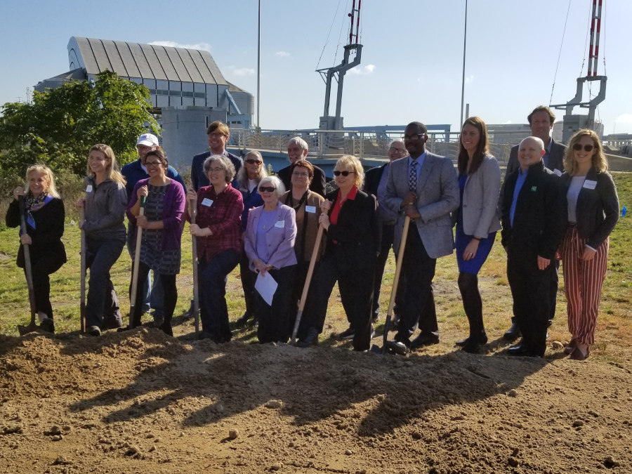 FROG group shovels in the ground