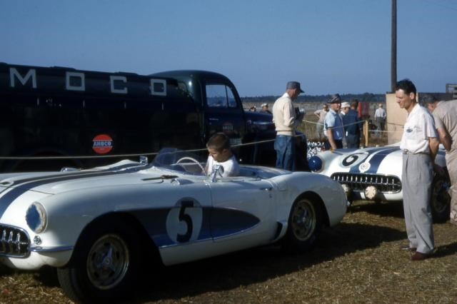 1956 Chevy Corvettes at Sebring 12 hour endurance Wayne Ferens Collection 3