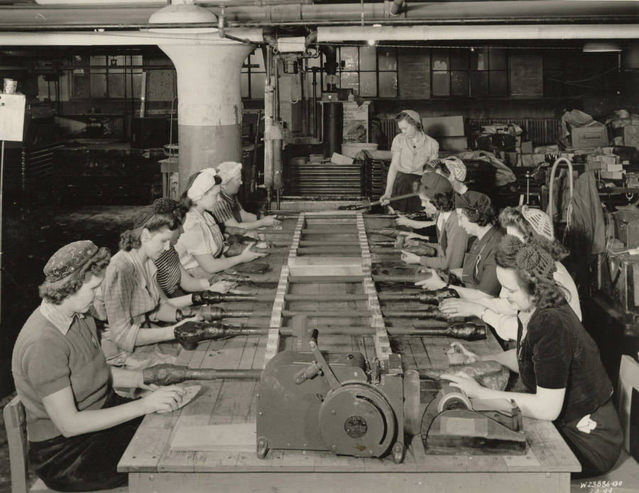 Women workers rustproofing and wrapping shafts at GMC Truck and Coach Detroit Public Library Digital Collection RESIZED 7