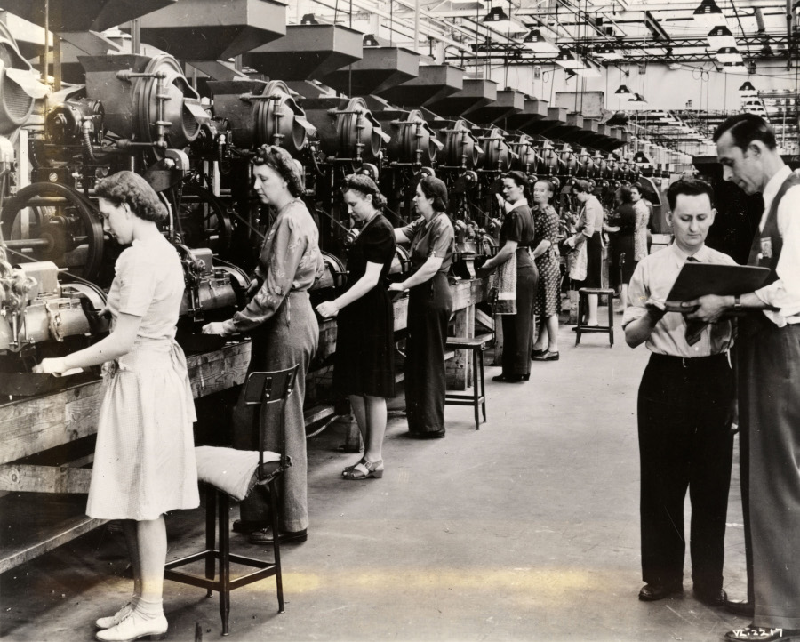 Women working the assembly line at the Chrysler Evansville Ordnance Plant Detroit Public Library Digital Collection RESIZED 5
