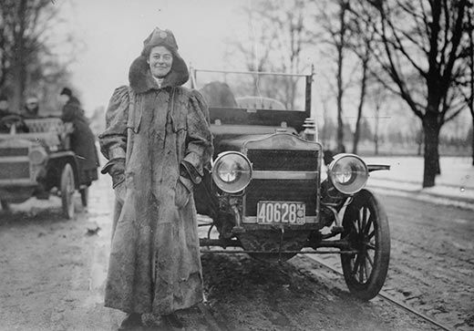 Alice Ramsey next to her automobile Library of Congress