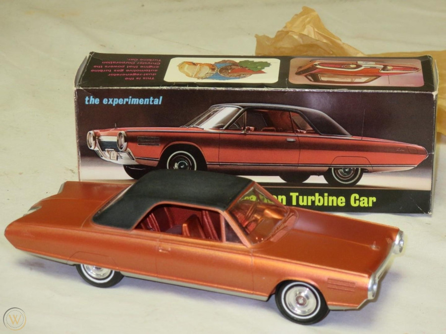 Scale model of Chrysler Turbine Car Robert Tate Collection RESIZED 9