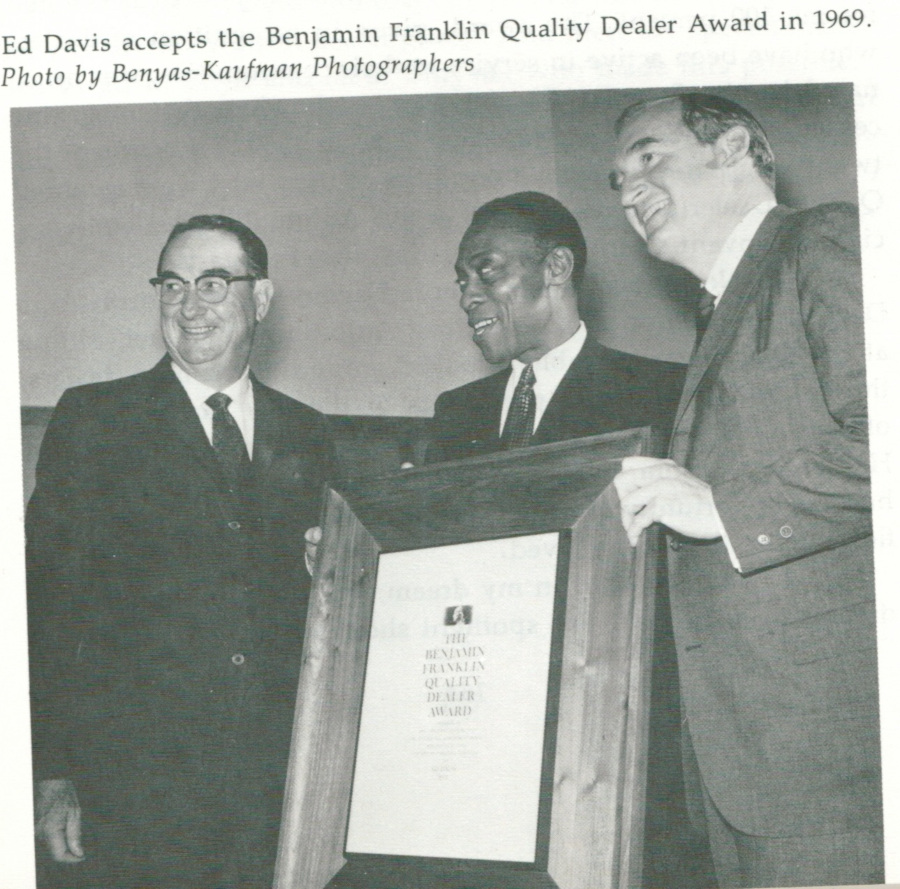 Ed Davis Accepts the Benjamin Franklin Quality Award in 1969 RESIZED 5