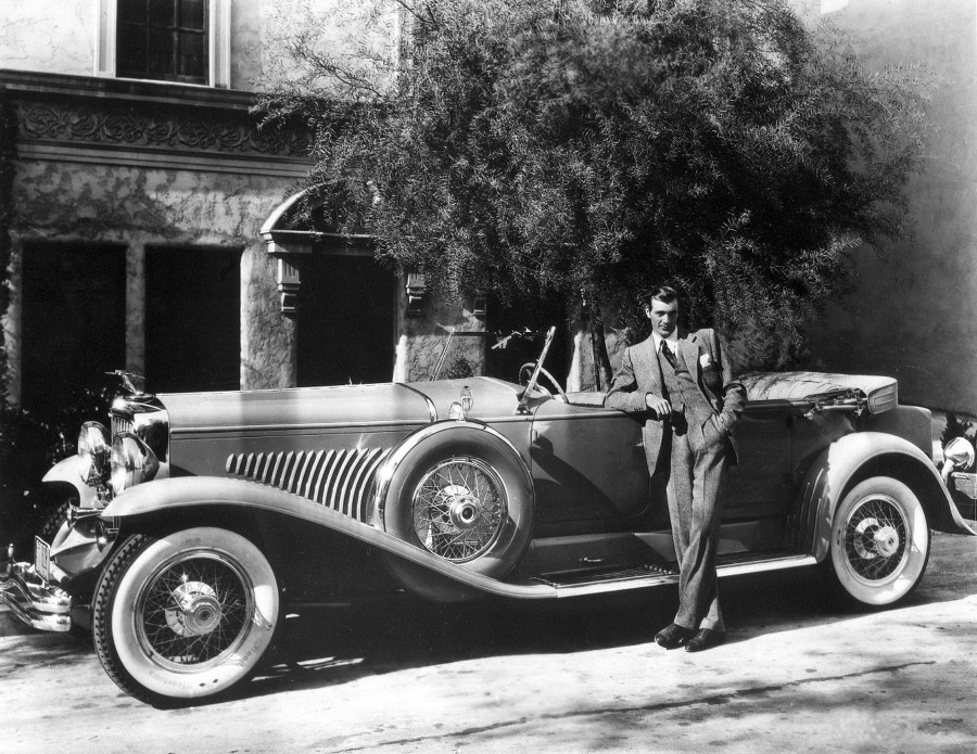 RESIZED Gary Cooper with a 1931 Duesenberg source 7