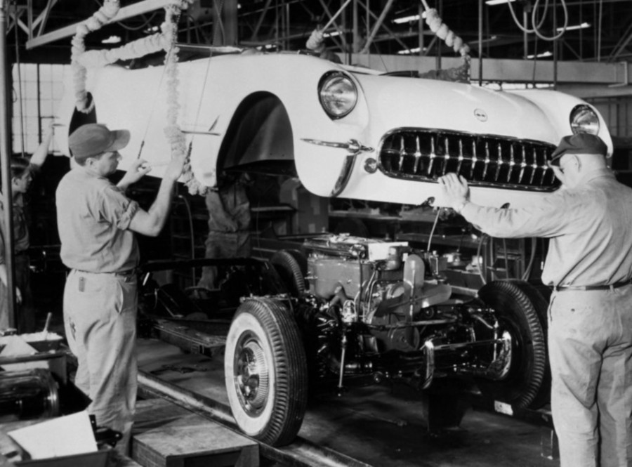 Workers attach a body to a chassis for a 1953 Corvette GM Media Archives RESIZED 6